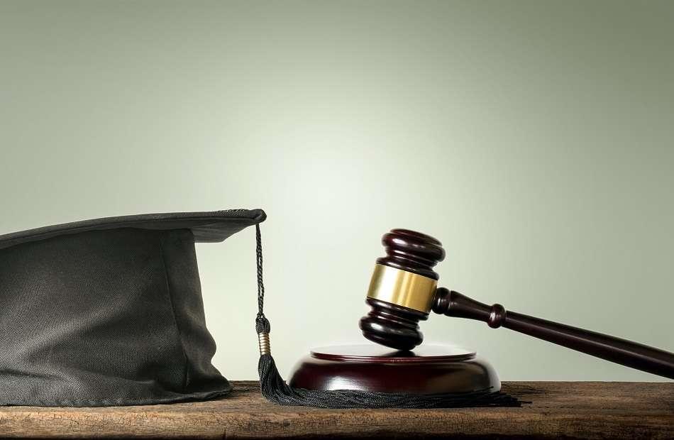 A lista dos 10 melhores cursos de Direito é definida pelas notas das faculdades na última avaliação do MEC